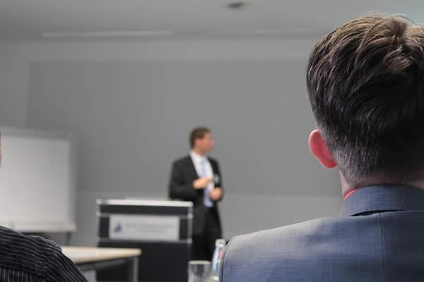 営業系セミナーでよく聞く営業ノウハウ。営業のスキルアップ方法の考察